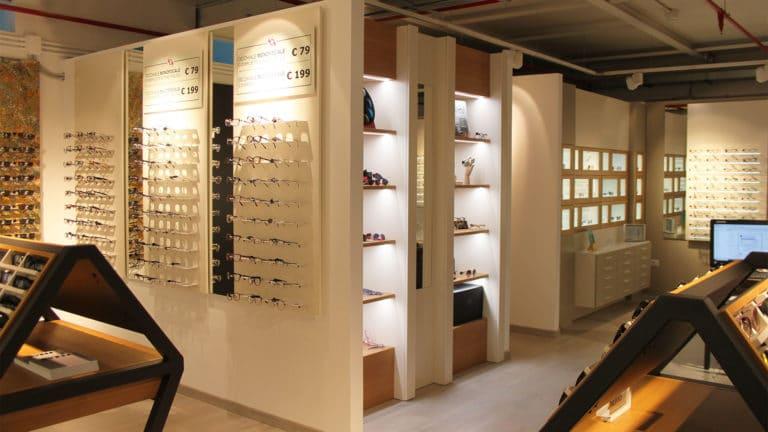 Spazio Ottica Tiburtina Espositori a parete e isole occhiali