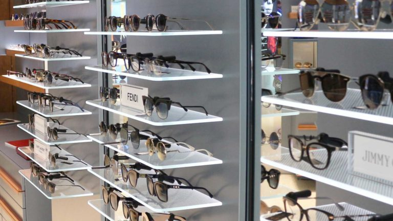 Shelves Glasses Exposition Beneasa o51