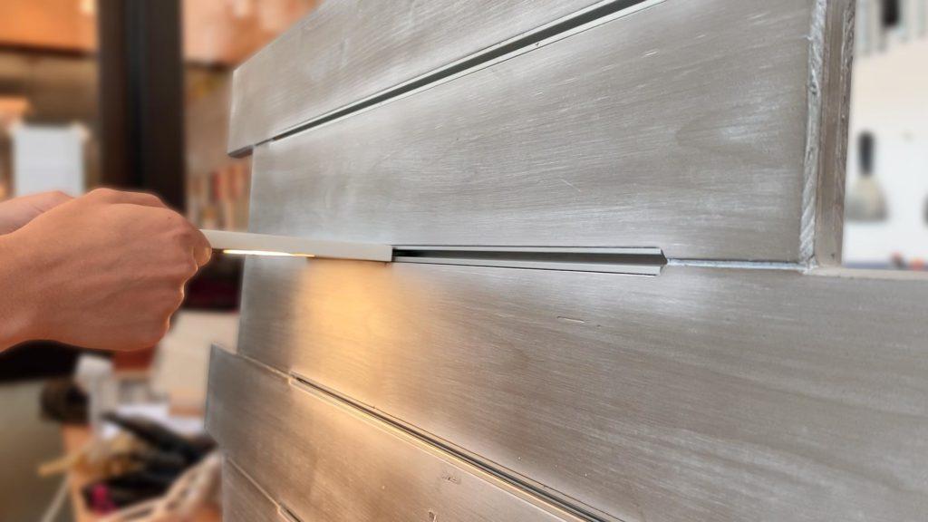 BINARIO - Mensola con sistema di illuminazione